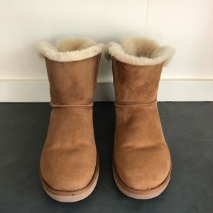 UGG Tan BAILEY BOW Short Suede Boots